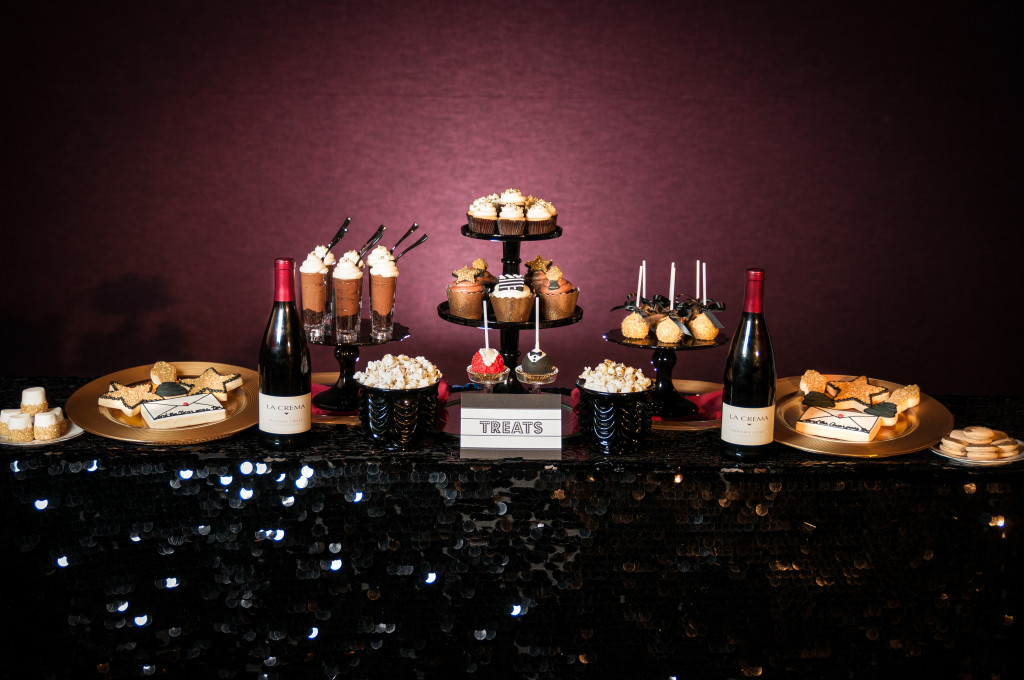 Seven tips for hosting a movie award party for La table a dessert